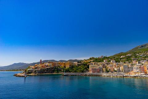Les avantages d'investir en Corse